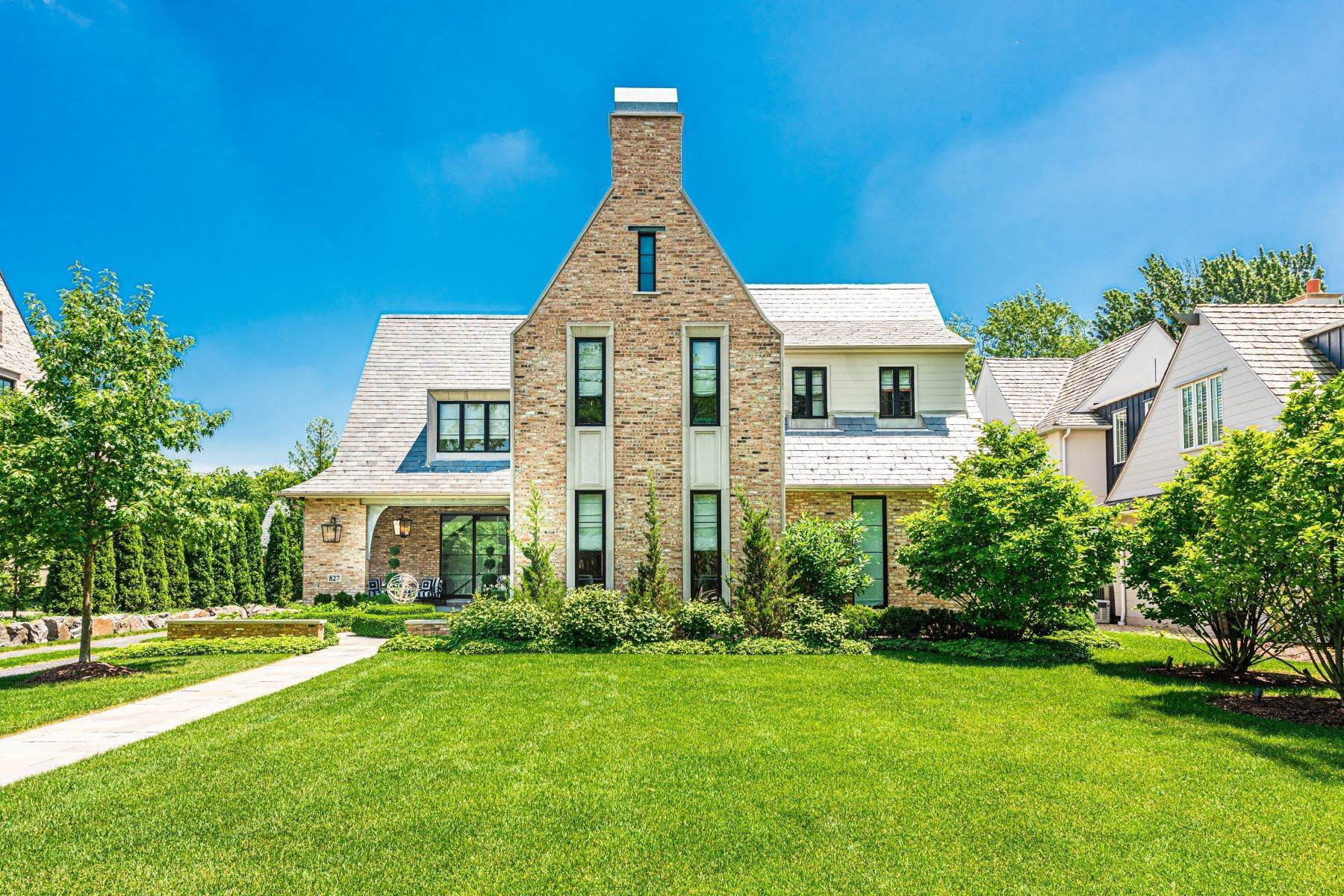 Single Family Homes for Sale at Bask In Luxury 827 S Oak Street Hinsdale, Illinois 60521 United States