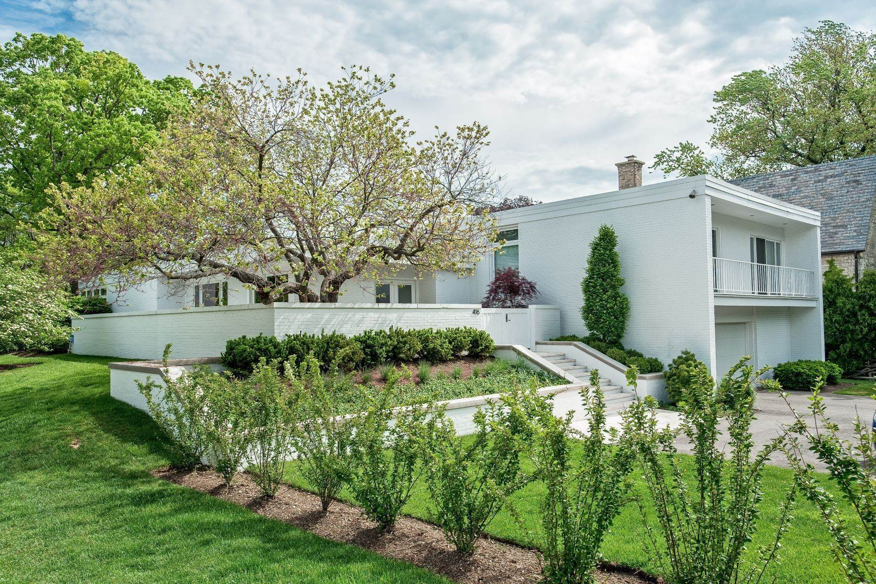 Single Family Homes for Sale at Mid Century Modern 416 Sheridan Road Wilmette, Illinois 60091 United States