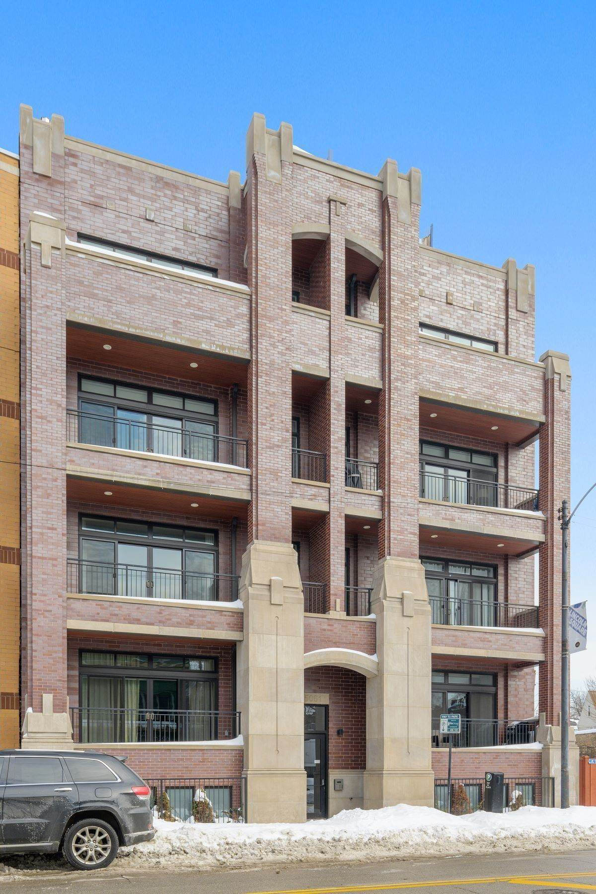 Duplex Homes for Sale at Fantastic Lincoln Square Duplex 5061 N Lincoln Avenue, Unit 102 Chicago, Illinois 60625 United States