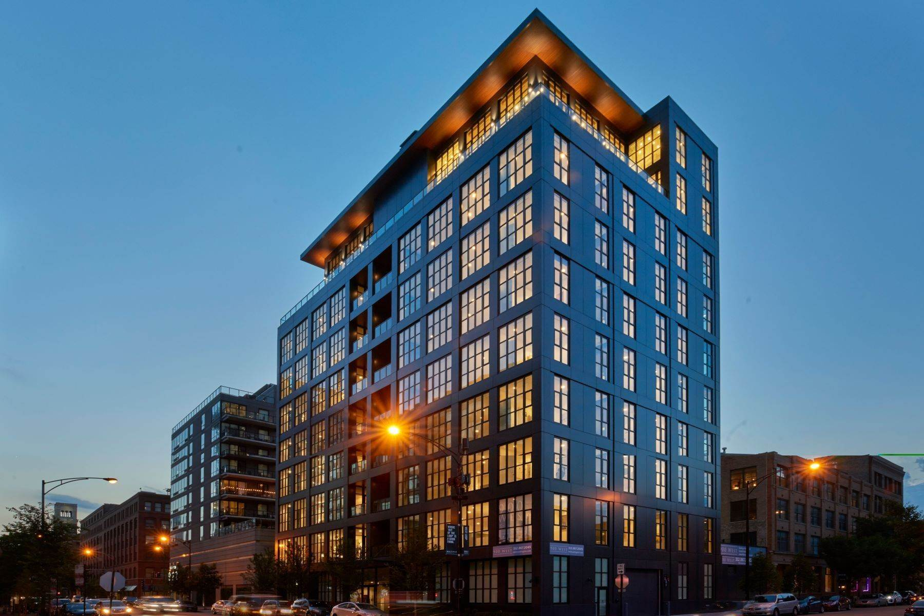 Condominiums for Sale at 900 West 900 W Washington Boulevard, Unit 601 Chicago, Illinois 60607 United States