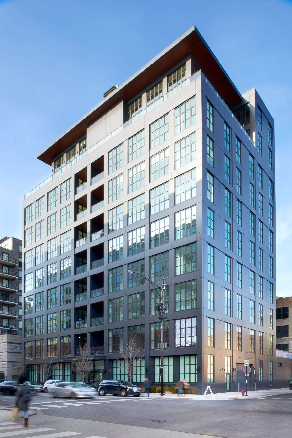 Condominiums for Sale at 900 West 900 W Washington Boulevard, Unit 602 Chicago, Illinois 60607 United States