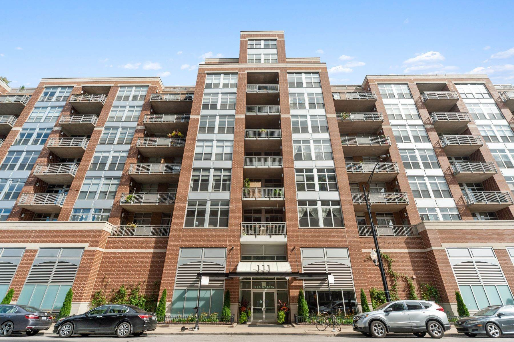 Duplex Homes for Sale at Spectacular Penthouse Duplex 111 S Morgan Street, Unit 906 Chicago, Illinois 60607 United States