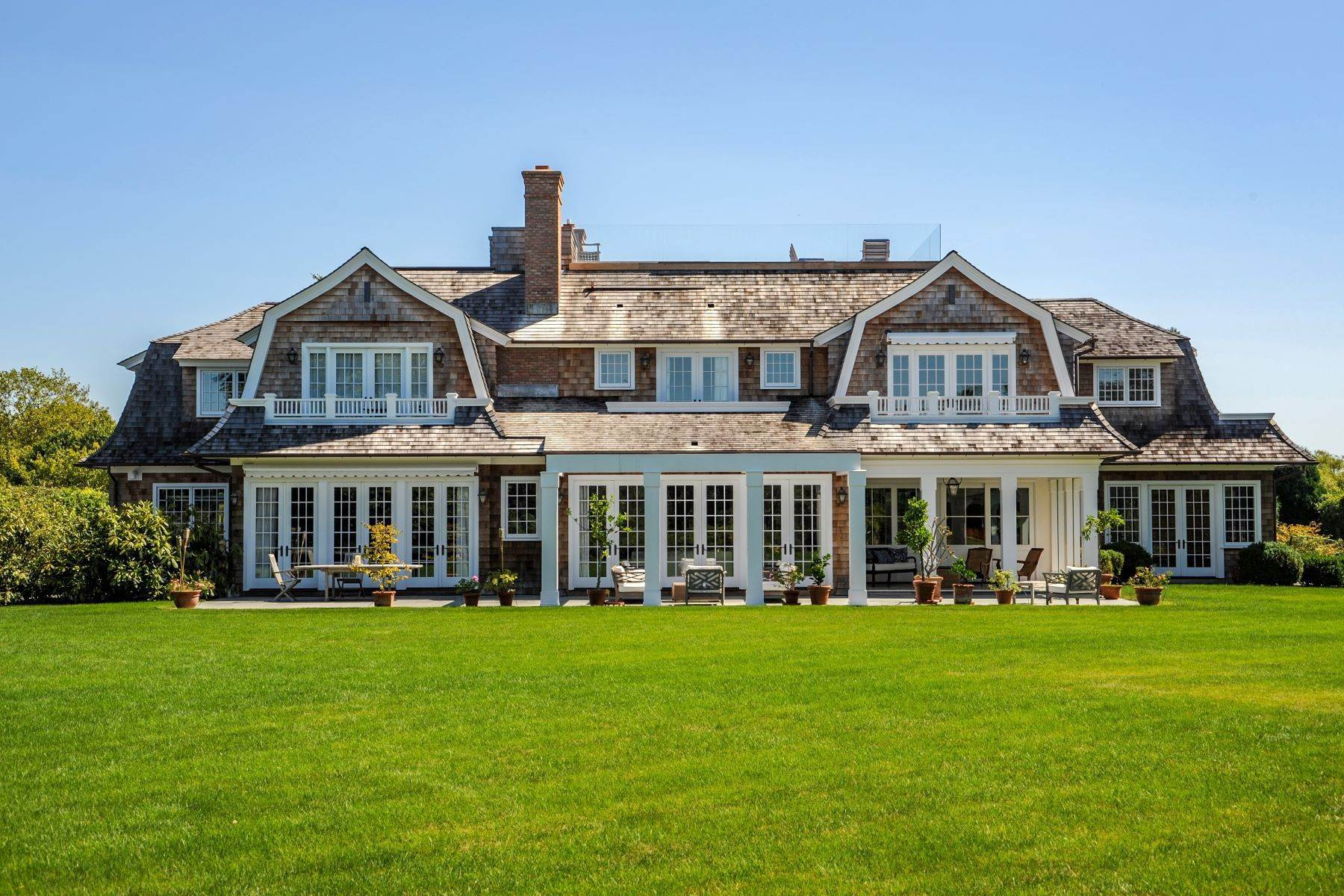 Single Family Homes -de ELEGANT SAGAPONACK NEAR OCEAN BEACH 108 Fairfield Pond Lane Sagaponack, New York 11962 Amerika Birleşik Devletleri